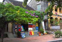 Hoi An / Hoi An, Vietnam is one of the most popular of the Vietnam tourist attractions. It lures the tourists in Vietnam, with its ancient charm of temples, shrines, Chinese style tile-roofed wooden houses and a unique blend of Japanese and Chinese architecture. A vacation in Hoi An, Vietnam would be an ideal one for those looking for a break from the busy city life with peace and tranquility around.