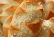 Breads & Rolls / by Pearl Couch