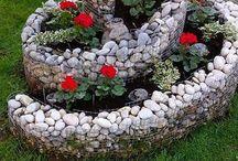 Rôzne tvary ozdôb na záhrady.