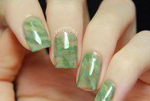 gleaming green