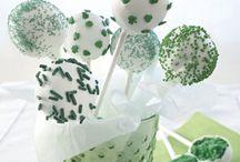 Cakeballs cakepops pushpops / Cake on a stick / by Zoe Farmer