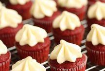 Red velvet / Cupcakes yum....