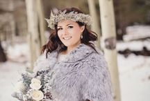 Snowy Weddings / Here is some snowy wedding inspiration ideas for a winter snowy wedding.
