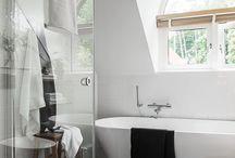 Badkamer ideeën / Welke badkamer past bij u? De inrichting en stijl horen te passen bij uw woning en persoonlijkheid. We spelen graag in op wat u belangrijk vindt. Voor elke stijl kunt u terecht in onze online winkel. Van luxe tot budget en van design tot landelijk of klassiek is bij ons mogelijk.