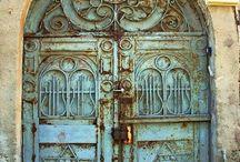 Front Door / Unique doors and door knockers