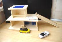 GARAGE FOR TOY CARS / Gioco del garage, con autorimessa, officina, rifornimento e autolavaggio