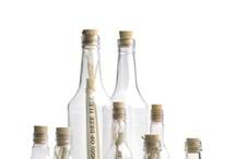 Zelf flessenpost maken / Geef je creativiteit ruim baan. Bestel alle flessenpost materialen om je eigen flessenpost te maken.  Kies uit ons ruime assortiment lege flesjes, plastic of glas, verpakkingen, drukwerk, decoraties.