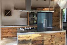 Kitchen Design Collection / La passione per la natura e i suoi elementi è la base su cui nasce Ri-Novo, studio di progettazione abbinato ad una tradizione artigiana nella lavorazione dei materiali.