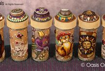 pill bottle crafts / by Janice Quent