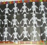 Skeleton crafts for kids / this page has a lot of skeleton crafts for kids,parents and teachers