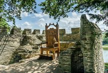 Castles of West Wales / The romantic and historic castles of Pembrokeshire, Ceredigion and Carmarthenshire
