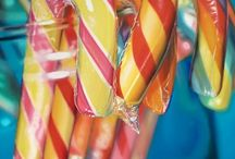 Sarah Graham art / Sarah Graham is a UK based photorealistic artist whose distinctive oil on canvas paintings celebrate nostalgia and childlike wonderment. Combining vivid colours and realism, Graham favours kitsch images of toys, sweets and adolescent subject matter to create an elusive sense of sheer joy.