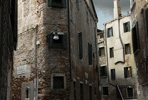 Historic Venetian traghetti (ferry stations)