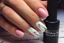 Бледно-розовые ногти
