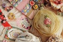 Girly Vintage / by Candy Rey