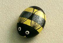 Bumble bee rock