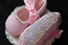 scarpette di stoffa e coralli babj