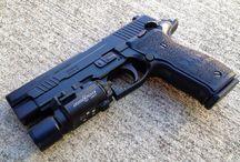 Guns / Armas