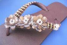 sandálias decoradas / Chinelinhos fofos feitos artesanalmente.
