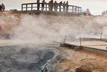 Také Vás láká Island? 17-25/7/2015 / Krásná cesta na Island... v červenci! Atraktivity cesty: * Nikdy nezapadající slunce * Vodopády Hraunfossar, kde voda protéká pod lávou a poté se vlévá do řeky Hvítá * Návštěva koňské farmy, kde se chovají islandští koně * Deildartunguhver, jeden z nejobjemnějších horkých pramenů v Evropě * Cestování po vulkanické přírodě Islandu ve vozech 4x4 * Možnost koupele v přírodních termálních jezírkách * Návštěva závodu zaměřeného na lov a zpracování žraloků