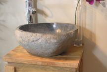 Vasques galet de rivière / Superbe vasque taillée dans une véritable pierre de rivière. Très belle pièce au design original ! finition extérieure brute, intérieur lisse. Chaque pièce est de forme différente, chaque vasque est unique.  Wanda Collection  http://www.wanda-collection.com/cat-vasque-galet-56.htm