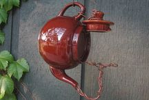 teapots, cups and lids