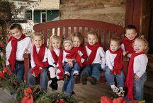 Cousins Christmas photoshoot ideas