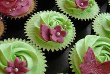 cupcakes / by Fancy Fondant Cakes by Emily Lindley
