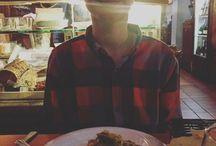 Jaeden comiendo