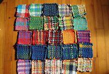 Pin Loom Weaver