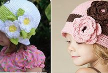 gorros y accesorios / by Silvana Zuther