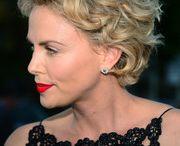 Charlize tar hon short curls