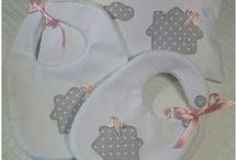 Conjunto de pechitos y cojín bebe