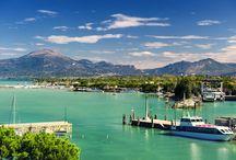 Italie - Gardameer / Een vakantie aan het Gardameer in Italië is een absolute aanrader. Het meer en de omgeving zijn schitterend. Met leuke plaatjes en  een rijkdom aan kunst, geschiedenis en cultuur.