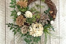 wreath / floral wreath, door wreath
