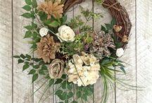 wreath / floral wreath, door wreath