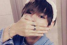 ★ V / Taehyung ( 뷔 ) ★