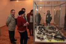 Ze zbiorów Muzeum Górnośląskiego w Bytomiu / O fajansie, kamionce i porcelanie będącej w zbiorach Muzeum Górnośląskiego w Bytomiu, zdjęć parę... http://www.wiadomosci24.pl/artykul/ceramika_polska_na_wystawie_w_muzeum_gornoslaskim_w_bytomiu_328775.html