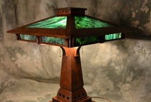 Arts and Crafts Lamp Frog Skin Green Art Glass