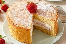 Barcomi's :: Kuchen & Torten / Jeden Tag werden die Kuchen & Torten für die Geschäfte in Berlin frisch gebacken!