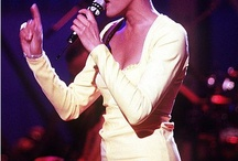 STAR///////WHITNEY  HOUSTON