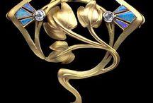Mücevher  takılar broşlar