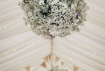 Wedding Marquee Flowers / Flowers and plants can be used in many ways to decorate your wedding marquee...from table decorations, to potted plants and hanging baskets. Get some ideas here!