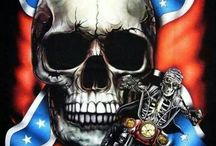 POSTERS skull
