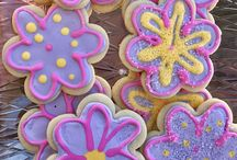 Simply Frosted Cookies on Etsy / https://www.etsy.com/shop/SimplyFrostedCookies