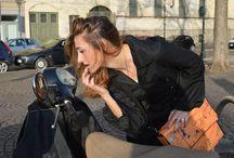 Una domenica da gatta con Madamemiao / Oggi a Torino, tra le strade e le piazze di questa città, in mezzo alla gente che scappa dal freddo e si rifugia sulle panchine soleggiate, ho incontrato la magia di MADAMEMIAO: una gatta, vivace e divertente, che mi ha accompagnata in giro per Torino facendomi giocare con i suoi divertentissimi accessori Nicoletta Napol www.facebook.com/business.we.love -http://businesswelove.wordpress.com