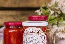 REZEPTE // MARMELADE / Marmelade, Konfitüre und andere süße Aufstriche versüßen uns den Morgen und lassen uns gut gelaunt in den Tag starten. Und selbst gemacht schmeckt es gleich doppelt so gut.