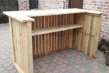 wooden bar bar en bois.