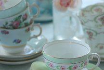 Vintage cup tee