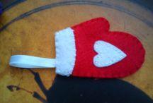Karácsonyfa díszek / Kézzel vart, filc anyagból készült díszek